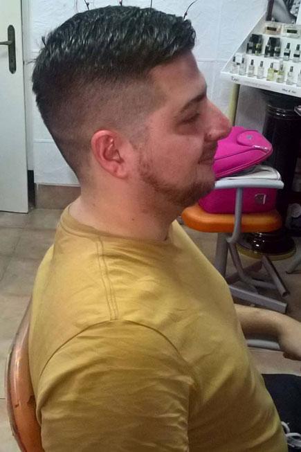 Muški frizer - XXI vek je vreme kada ljudi brinu o sebi i svom izgledu više nego ikada ranije.