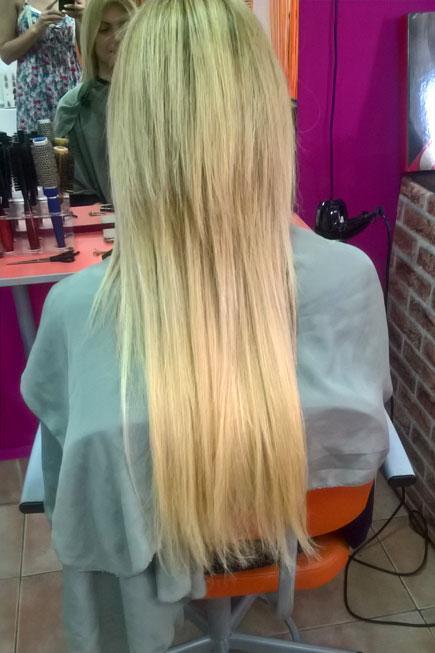 Nadogradnja kose mikroringom, potpuno je bezbedna jer ne uključuje primenu bilo kakvih hemijskih preparata,